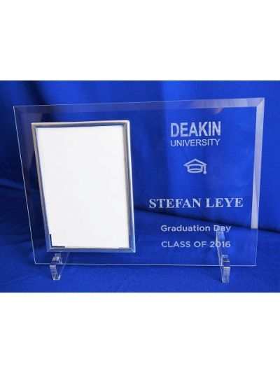 "University Graduation - Personalised Glass Portrait photo frame - hold 6x4"" or 15x10cm photo"