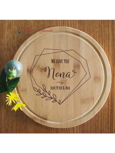 Personalised Engraved Bamboo Round Serving Board, Cake plate -dia 28cm - Gift for Mum/Grandma - Birthday gift for Nona - Mothers day gift- We love you Nona