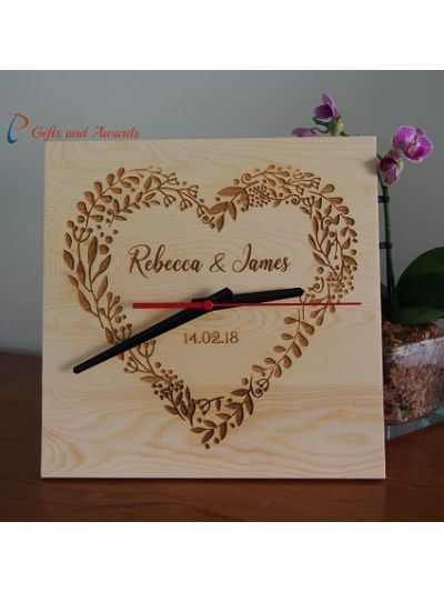 Personalised wood engraved Clock, square shape 25x25x1.2cm - Wedding gift - Anniversary gift - Engagement gift - Valentines gift - Gift for the couple